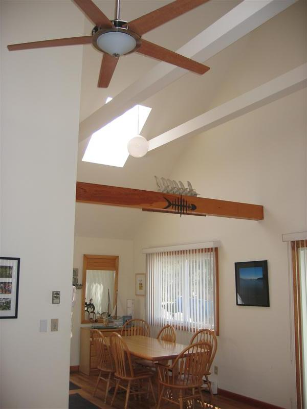 45 Hamblen Way 3 bedroom, 2 bath showing dining room skylight and cathedral ceiling fan